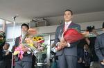 凱旋パレード 花束贈呈